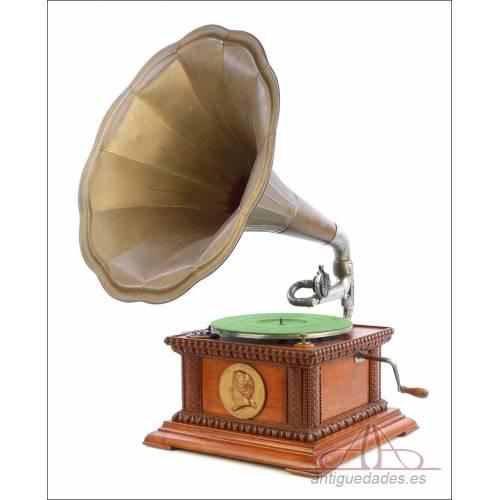 Antiguo Gramófono de Trompeta Alemán o Austriaco. Circa 1915