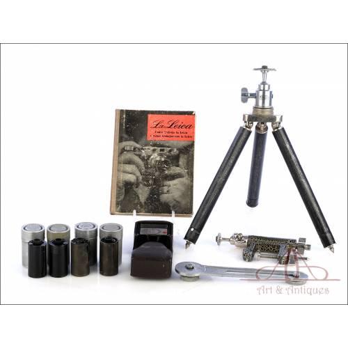 Antiguo Trípode Leitz y Accesorios para Leica. Alemania, Circa 1940