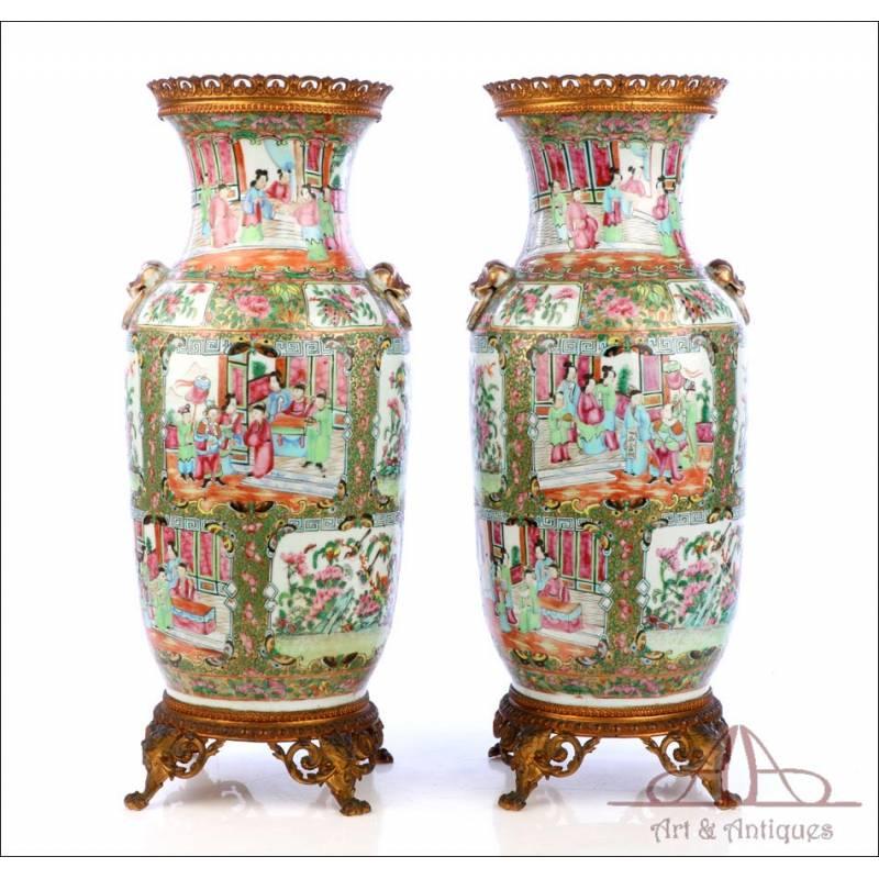 Antigua Pareja de Jarrones de Porcelana China. Familia Rosa. Circa 1900