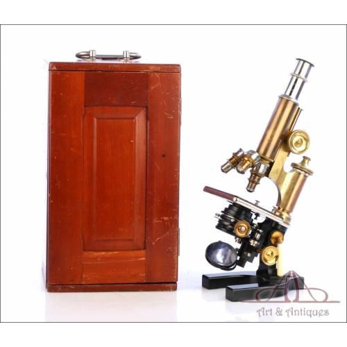 Antiguo Microscopio Bausch & Lomb. Alemania, Circa 1900