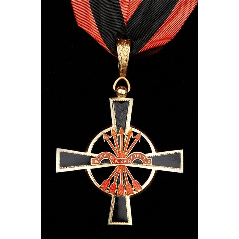 Cruz de Cuello de la Gran Cruz de la Orden Imperial del Yugo y las Flechas.