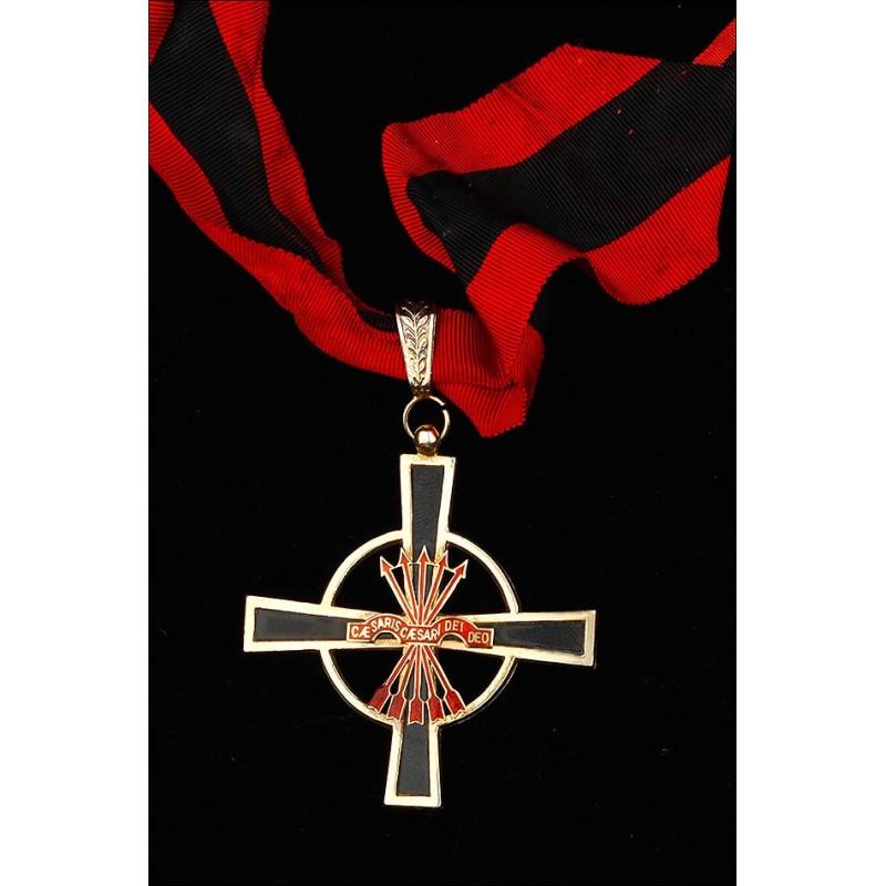 Encomienda de la Orden Imperial del Yugo y las Flechas.
