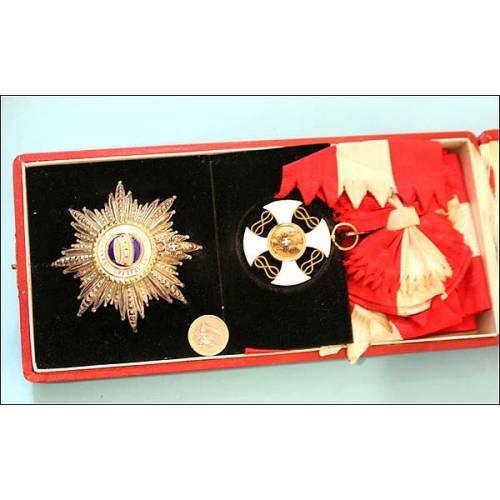 Italia. Orden de la corona. En plata y Oro. Estuche