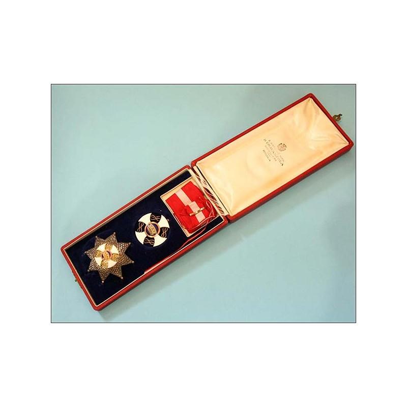 Italia. Orden de la Corona. En plata y oro. Estuche original