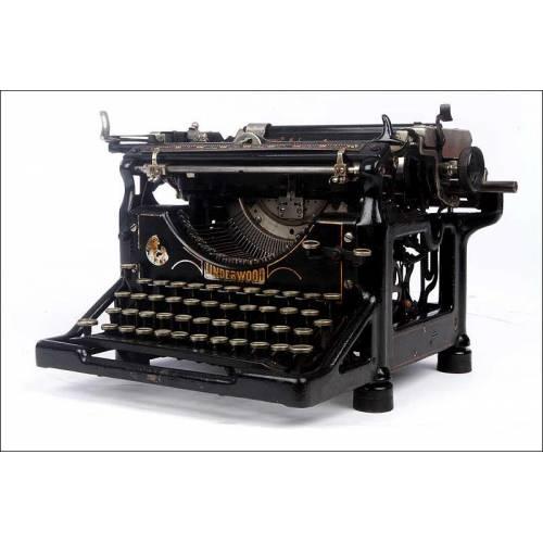 Rara y Exclusiva Máquina de Escribir Underwood Nº 5 con Teclado Español. Años 20