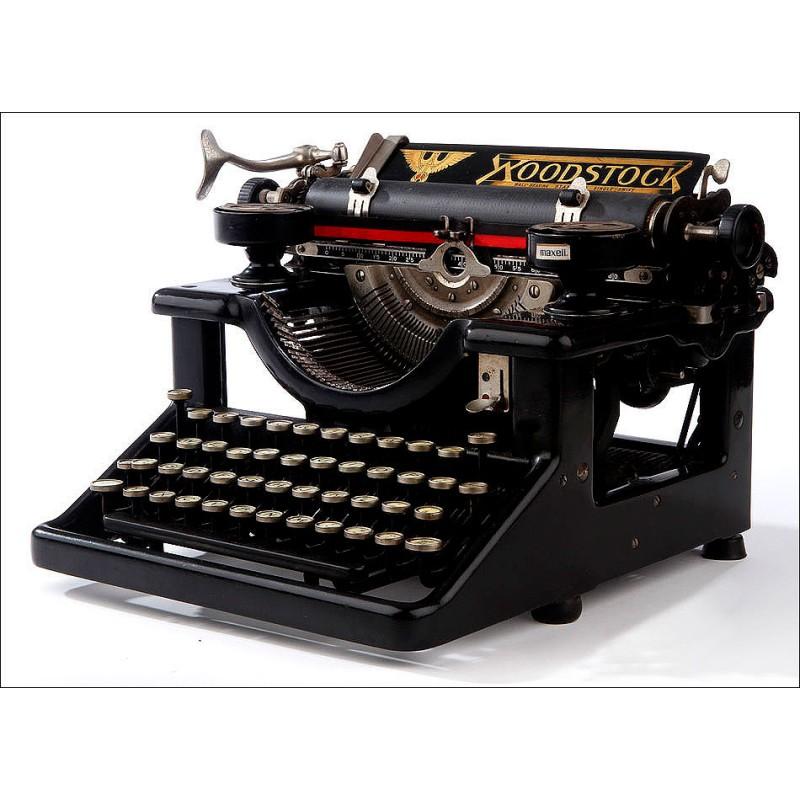 Máquina de Escribir Woodstock Nº 4 Fabricada en EEUU en 1916. En Muy Buen Estado y Funcionando