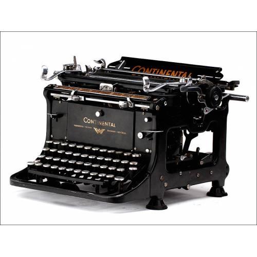 Atractiva Máquina de Escribir Continental Standard. Alemania, Circa 1930