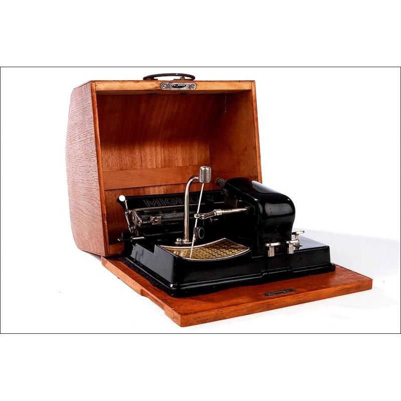 Máquina de Escribir Alemana Mignon 4, Año 1925. Funcionando. Con Estuche y Llave Originales