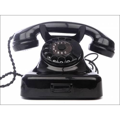 Bonito Teléfono Alemán Fabricado en los Años 40. En Buen Estado de Conservación y Funcionamiento