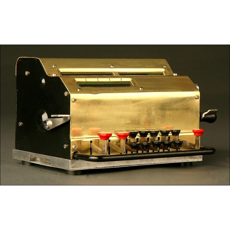 Calculadora Sueca Facit de Teclado.Años 30 del S. XX. Funciona Perfectamente