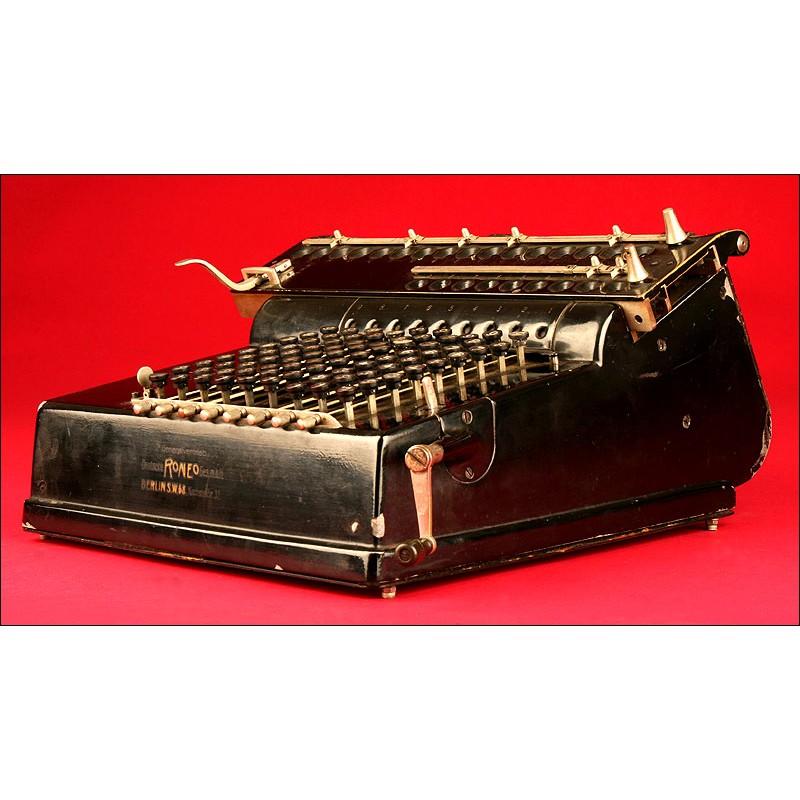 Calculadora Roneo Fabricada por Lindström Record en 1.913. Sistema de Teclado. Funciona Muy Bien