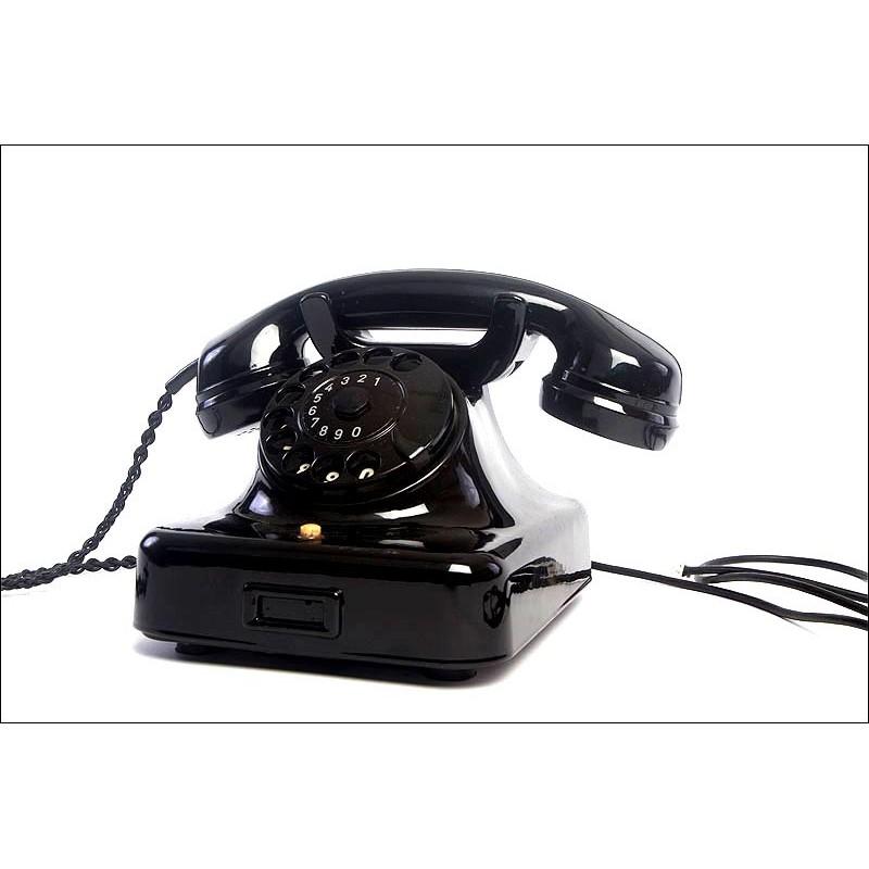 Teléfono Alemán de los Años 40 en Estado Impecable. Puede Conectarse a la Línea Telefónica
