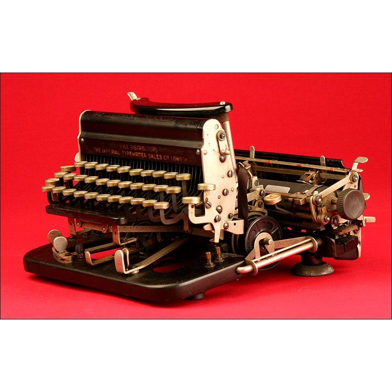 Bonita Máquina de Escribir Imperial Modelo D, de 1919. Con Teclado Intercambiable. Funcionando
