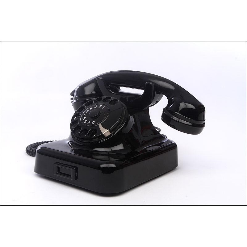 Precioso Teléfono Alemán Original de los Años 40 del Siglo XX. En Excelente Estado y Funcionando