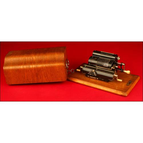 Calculadora Marca Thales modelo EA, principios del s.XX.