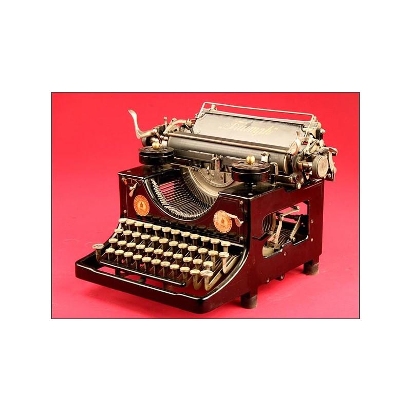 Máquina de escribir Triumph en Perfecto Estado de Funcionamiento, años 20.