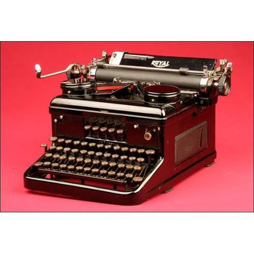 Bonita Máquina de Escribir Royal en Perfecto Estado. Años 30.