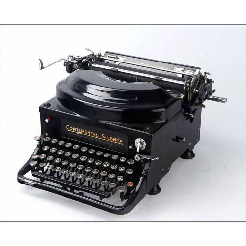 Antigua Máquina de Escribir Continental Silenta en Funcionamiento. Alemania, Años 30