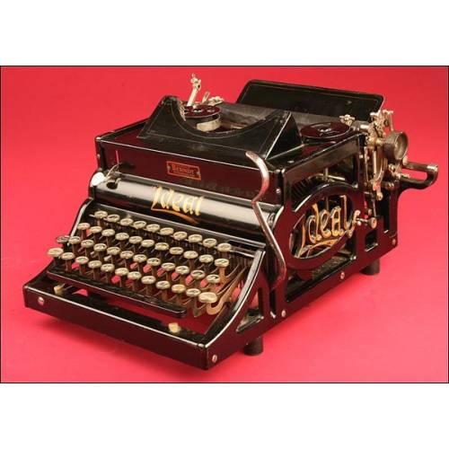Llamativa Máquina de escribir Ideal A en Estilo Modernista. 1900