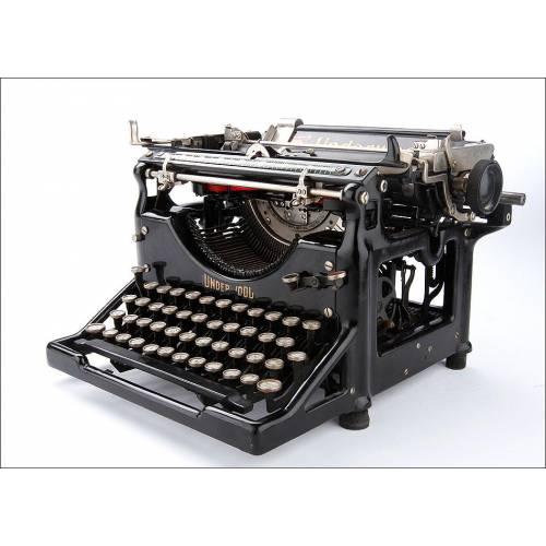 Antigua Máquina de Escribir Underwood Nº 5 con teclado Español y Ñ. Estados Unidos, Circa 1920