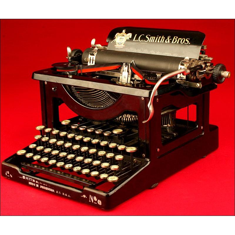 Decorativa Máquina de escribir LC Smith & Bros nº 8, ca. 1928.