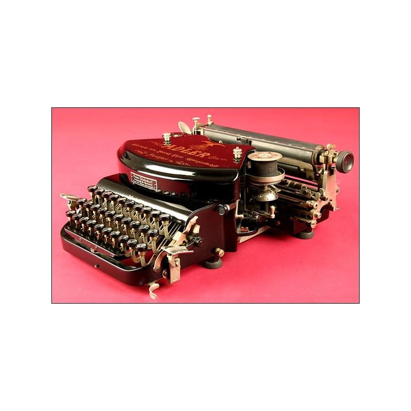 Preciosa Máquina de Escribir Alemana de la Marca Adler Modelo num.7, fabricada en 1901.