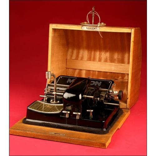 Curiosa Máquina de Escribir Alemana Mignon 4 en Perfecto Estado. Principios del S.XX