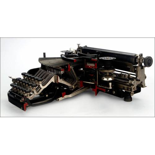 Rarísima Máquina Adler Cortada para Uso Promocional. Alemania, 1922-23