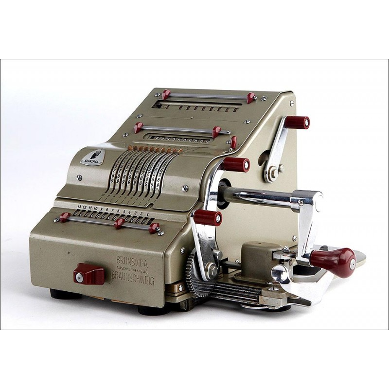 Calculadora Mecánica Brunsviga 13 RK Fabricada en Alemania en los Años 50. Bien Conservada y Funcionando