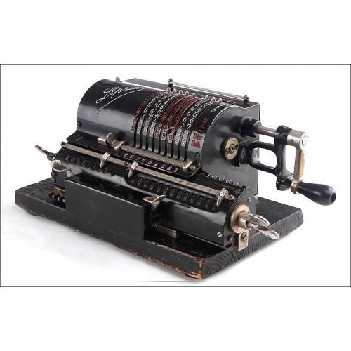 Elegante Calculadora Alemana Lipsia Fabricada en los Años 20-30 del Siglo XX. Funcionando