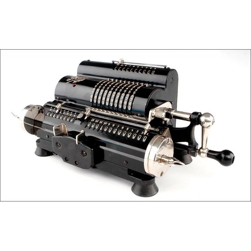 Atractiva Calculadora Alemana Thales CER 3 Fabricada en 1938. Excelente Estado. Funciona Muy Bien