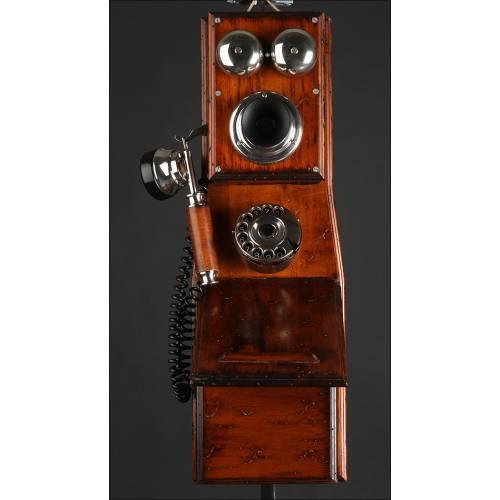 Teléfono de Pared de Madera, Circa 1910. Restaurado al Detalle y Adaptado para Líneas Telefónicas