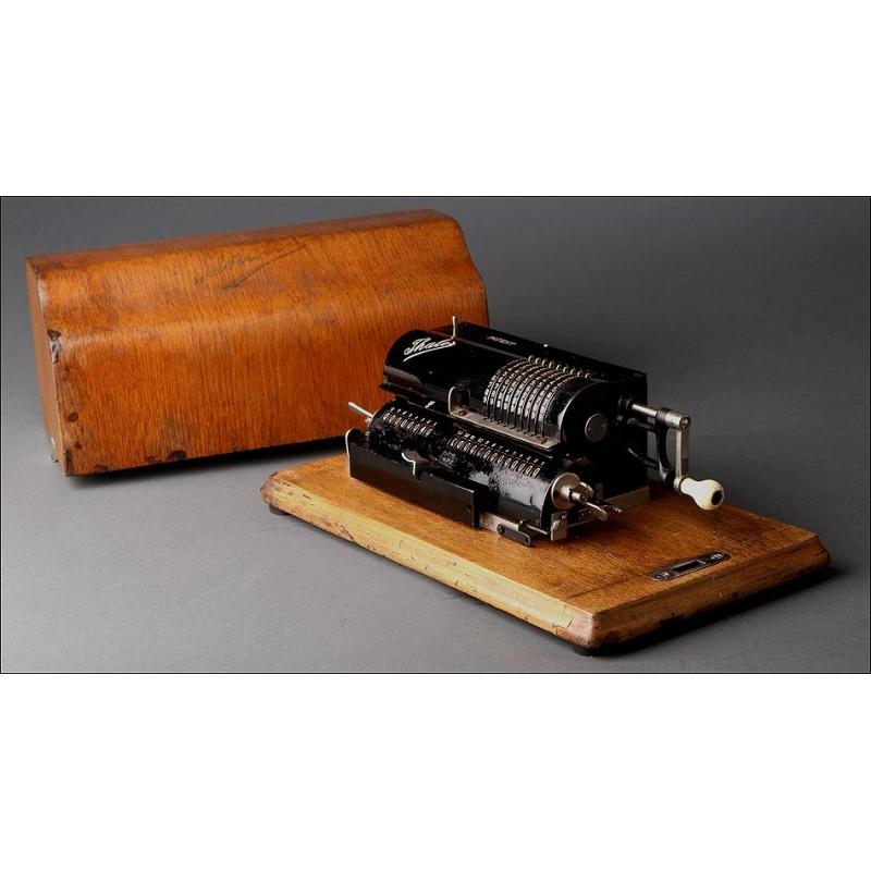 Calculadora Alemana Thales C Fabricada Circa 1919. En Perfecto Funcionamiento. Estuche Original