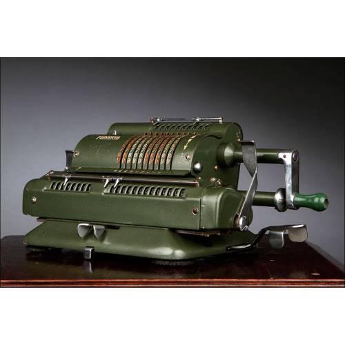 Calculadora Minerva Fabricada en España en los Años 50 del Siglo XX. Funciona Perfectamente