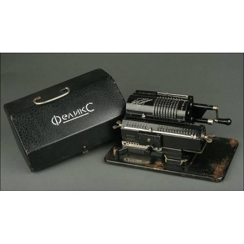 Exclusiva Calculadora Rusa Feliks Fabricada en los Años 30 del Siglo XX. Con Tapa Original