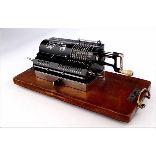 Preciosa Calculadora de Molinete Hannovera, Funcionando Bien. Alemania, Años 30