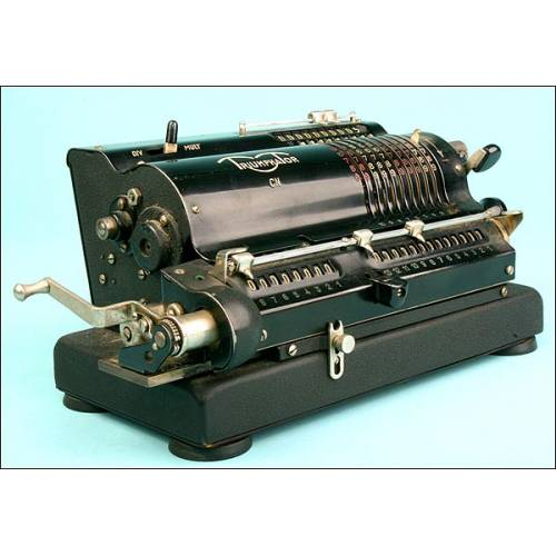 Calculadora Mecánica Triumphator. Años 30, con Libreto de Instrucciones