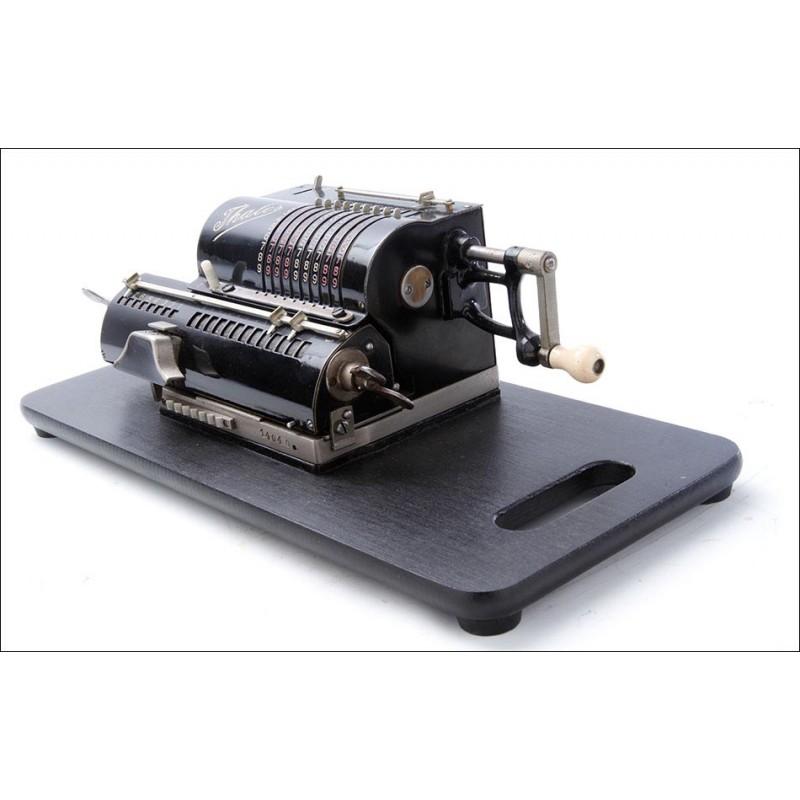 Fantástica Calculadora Antigua Thales CE Muy Bien Conservada. Alemania, Años 40
