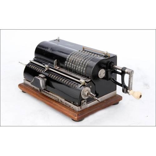 Calculadora Mecánica Antigua Thales CER con Sistema de Molinete. Alemania, Años 30