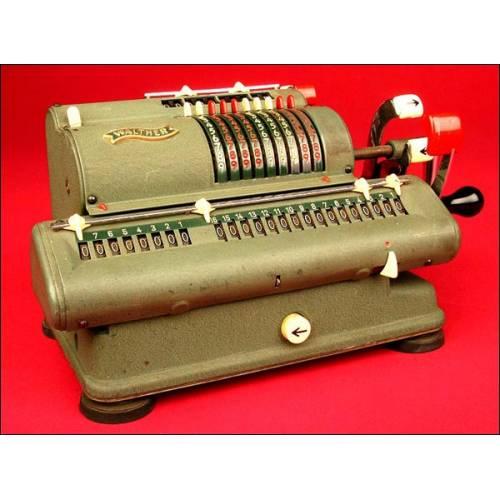 Decorativa Calculadora Marca Walther Modelo WSR 18 en Buen Estado de Funcionamiento, ca. 1950.