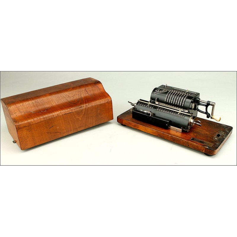 Fantástica Calculadora Antigua Thales A1 con Cubierta Original. Alemania, 1912