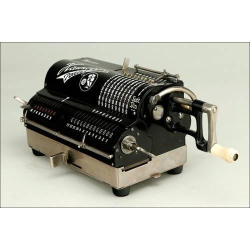 Magnífica Calculadora Hannovera en Perfecto Funcionamiento. Alemania, Años 20