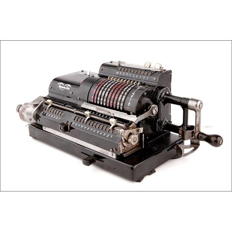 Bella Calculadora Triumphator en Perfecto Funcionamiento. Años 30 del Siglo XX