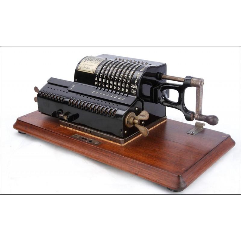 Antigua Calculadora Dactyle con Base de Madera y Funcionando. Francia, 1908