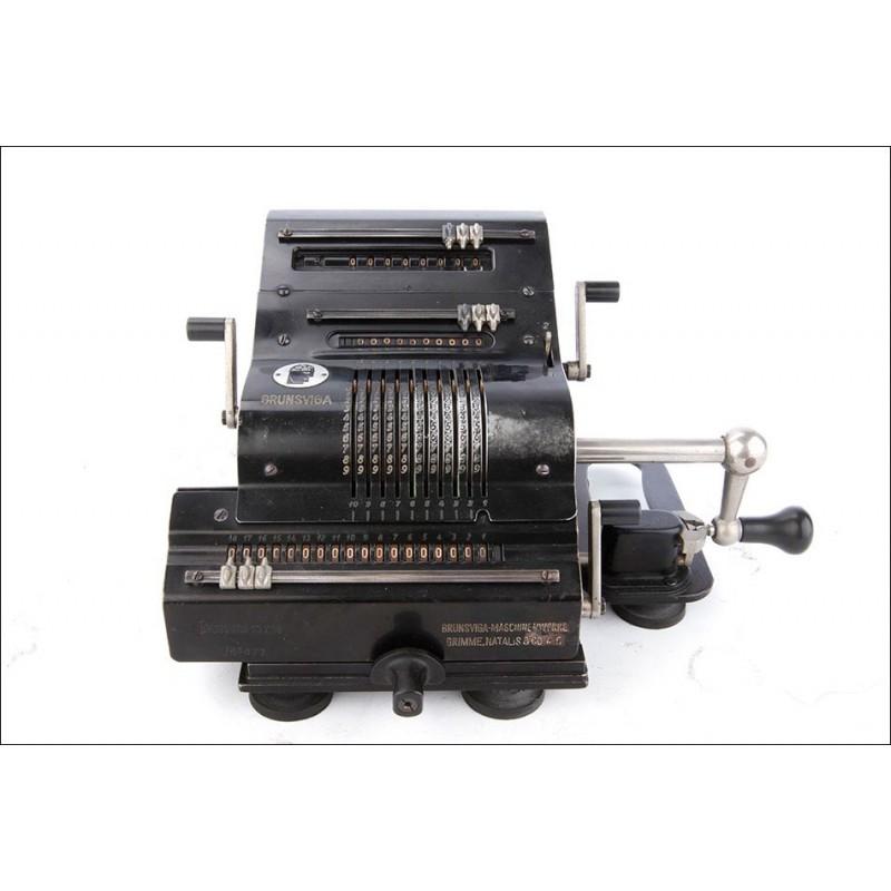 Antigua Calculadora de Molinete Brunsviga 13 Z 18 en Funcionamiento. Alemania, Años 40