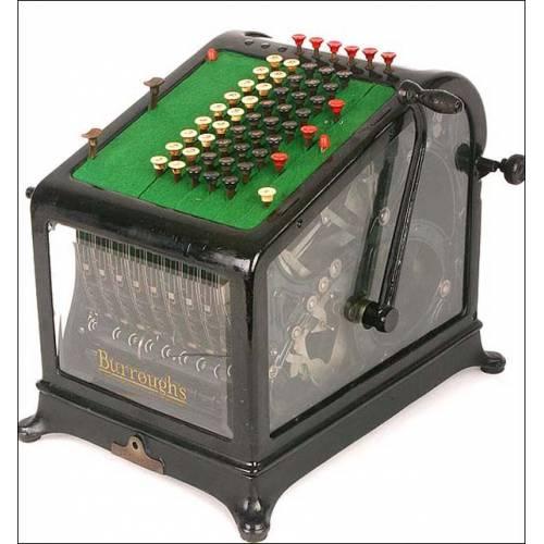 Rara calculadora mecánica con paredes de cristal. 1900