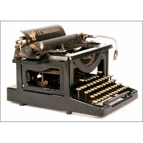 Máquina de escribir L. C. Smith. 1915