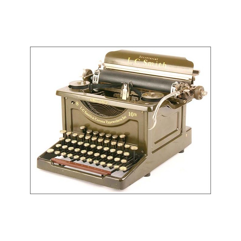 Máquina de escribir L. C. Smith 8-10 Secretarial. 1915