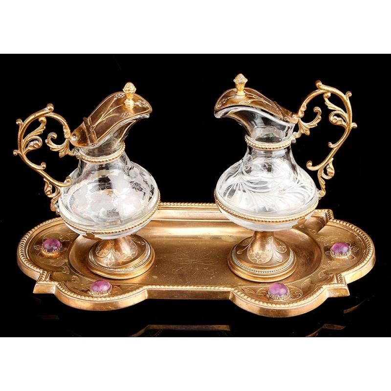 Fino Juego de Vinajeras Litúrgicas de Cristal Tallado a Mano. Francia, Siglo XIX
