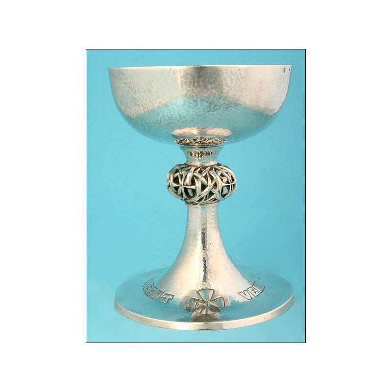 Excepcional cáliz de plata maciza de estilo y época Art Decó. 1932